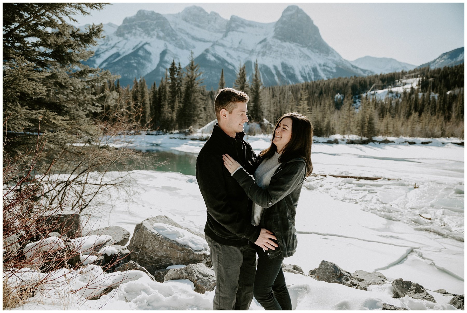 engagement photos in the winter in Canmore