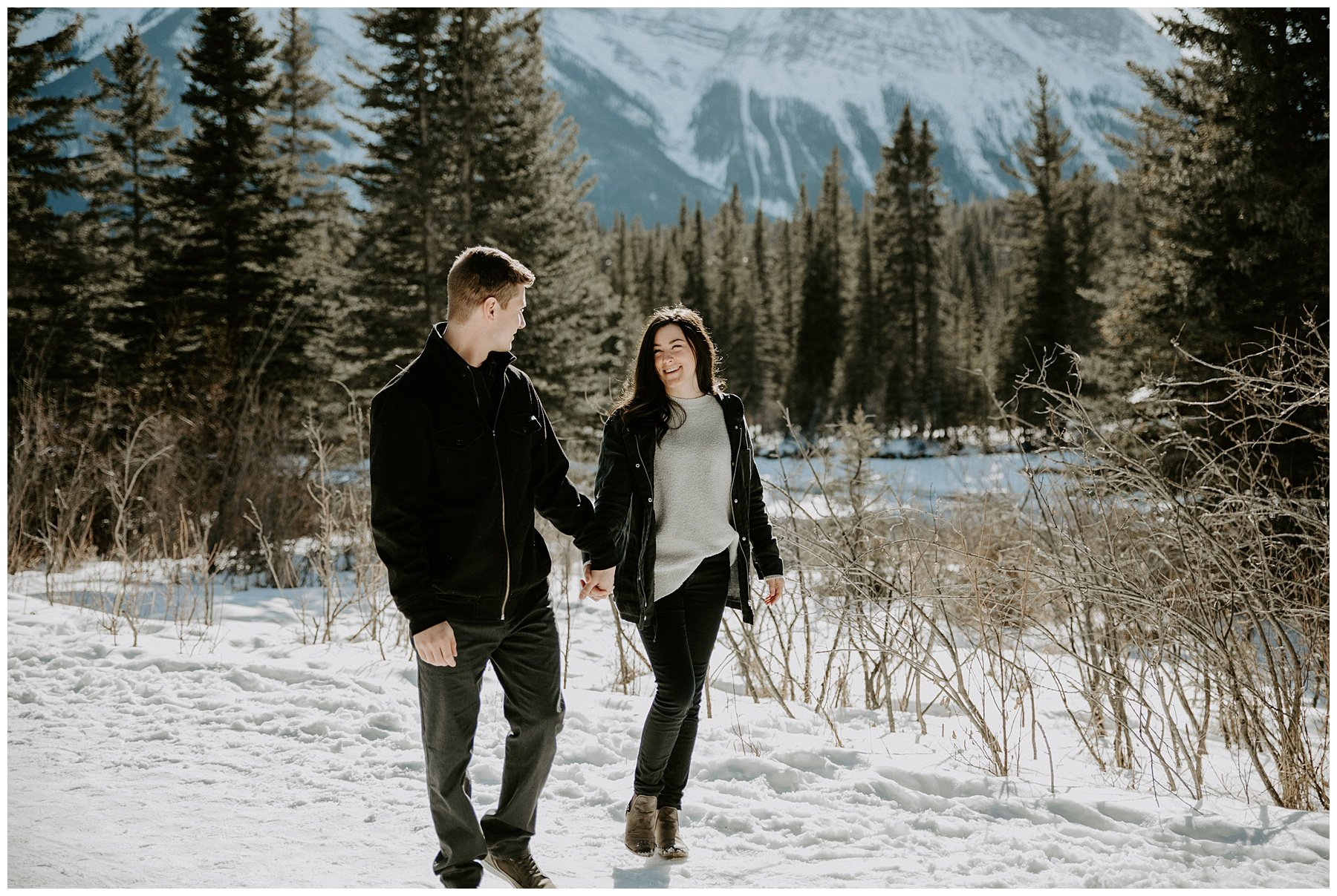 engagement photos with mountains